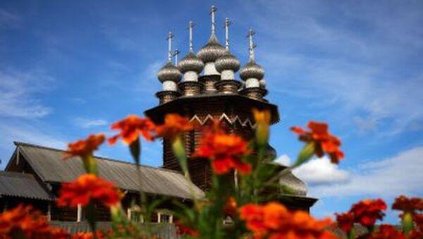 Kiji isimli Tarih ve Arkeoloji Açık Hava Müzesi'nde bulunan Pokrovskaya Kilisesi - Sputnik Türkiye