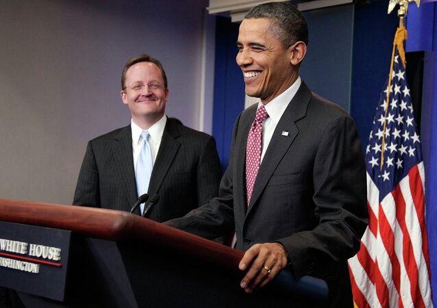 ABD Başkanı Barack Obama ve Beyaz Saray eski sözcüsü Robert Gibbs