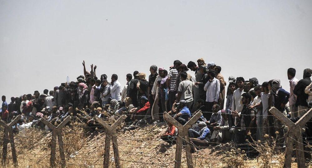 Suriyelilerin sınırdaki bekleyişi