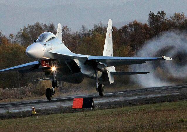 Çok amaçlı Su-30 M2 savaş uçağı.