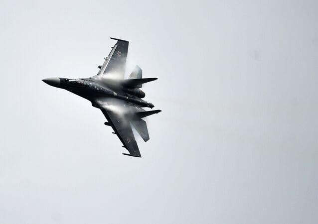 Su-35 avcı uçağı