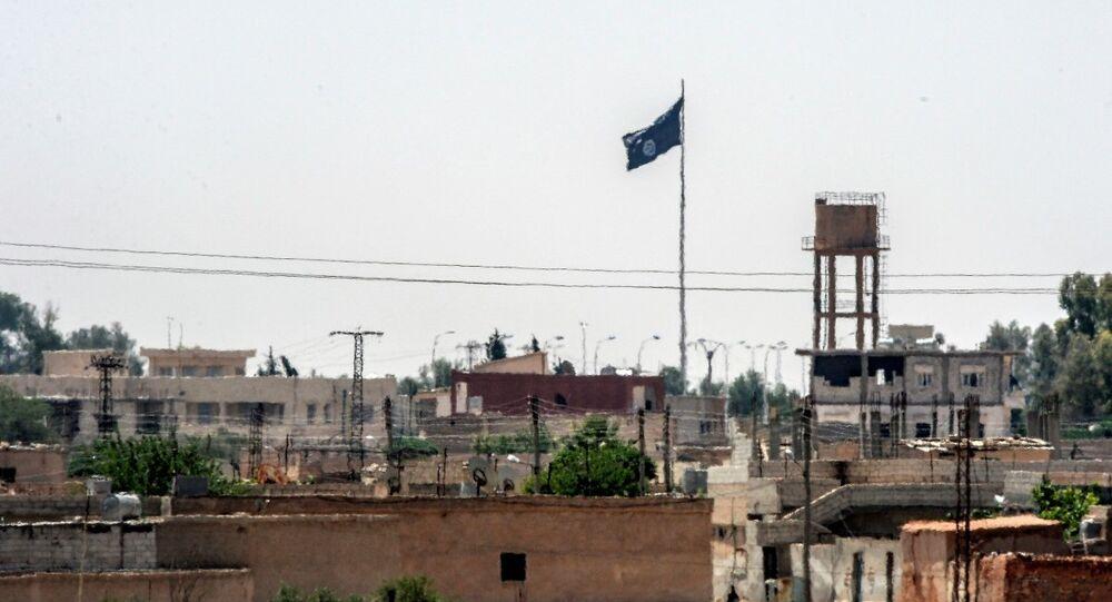 Suriye'nin Rakka vilayetine bağlı Tel Abyad