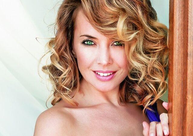 Rus şarkıcı Jenna Friske