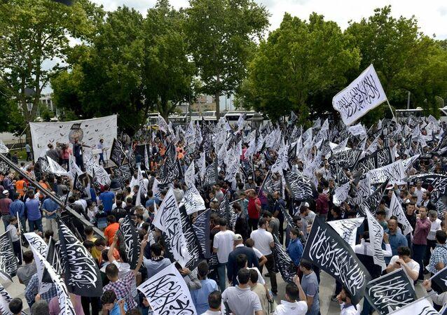 İstanbul'da Hizb-ut Tahrir yürüyüşü