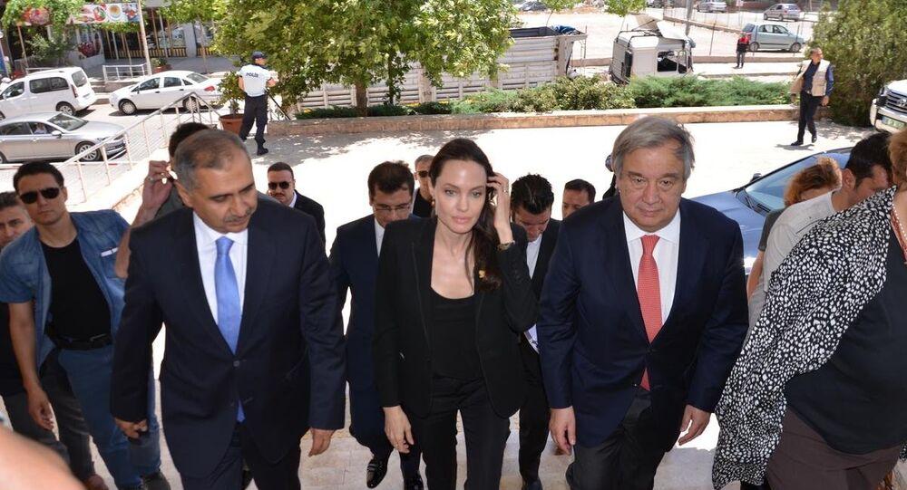 Angelina Jolie Mardin'de
