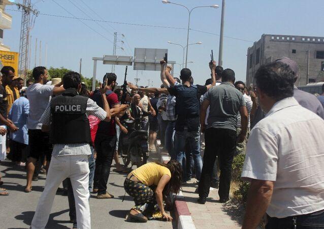 Tunus'ta plajda saldırı