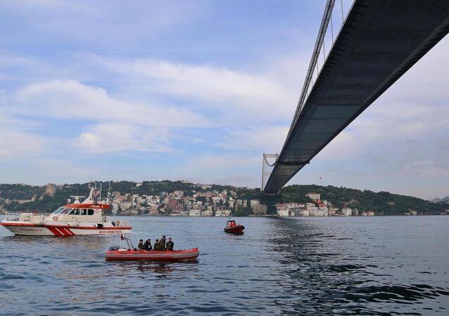 İstanbul'da sürat teknesi battı