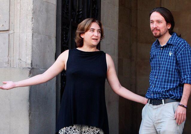 Barcelona Belediye Başkanı Maya Cadou- Podemos lideri Pablo Iglesias