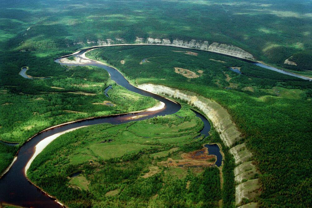 Yakutistan. Buotoma nehri
