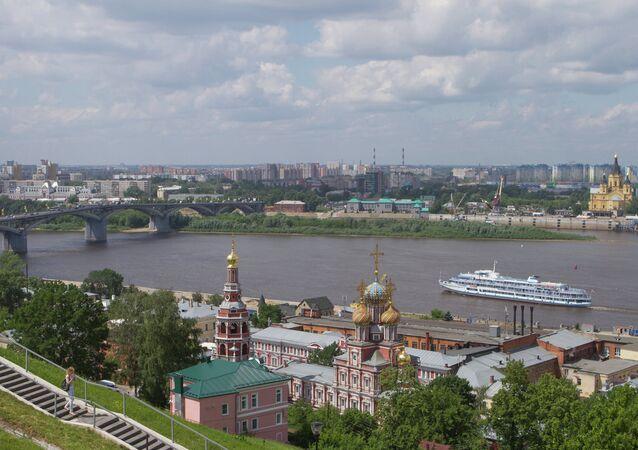 Nijniy Novgorod'da Oka nehri manzarası