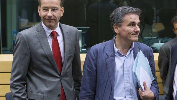 Yunanistan Maliye Bakanı Euclid Çakalotos  Euro Grubu Başkanı Jeroen Dijsselbloem - Sputnik Türkiye