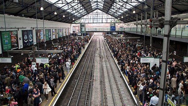 Londra metrosu - Sputnik Türkiye
