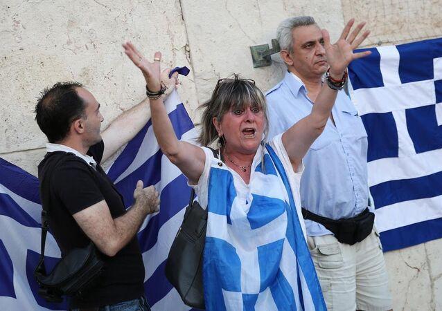 Yunanistan'da kurtarma paketine karşı gösteri