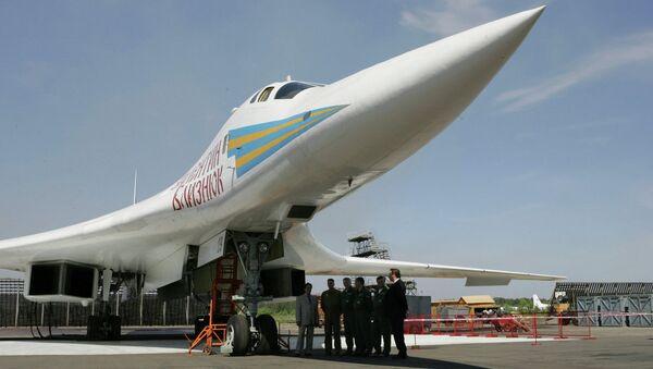 Rusya'nın bombardıman uçağı Tu-160 - Sputnik Türkiye