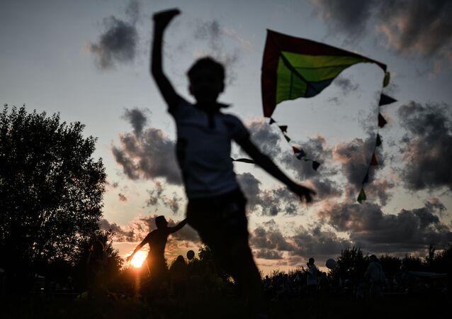Çocuklar, 14. Rusya'nın Altın Halkası Balon Festivali