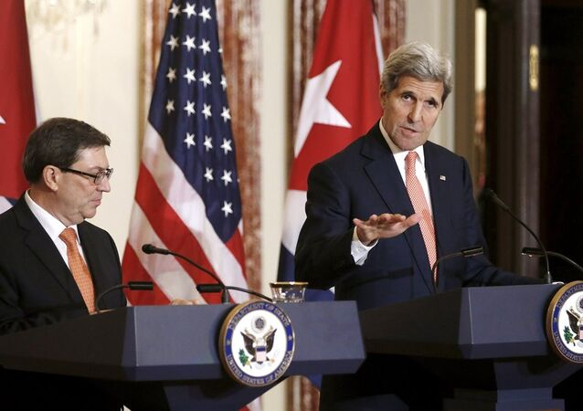 John Kerry-Bruno Rodriguez