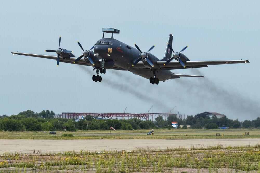 Seri üretimi yapılan ilk denizaltı avcısı uçak Il-38H