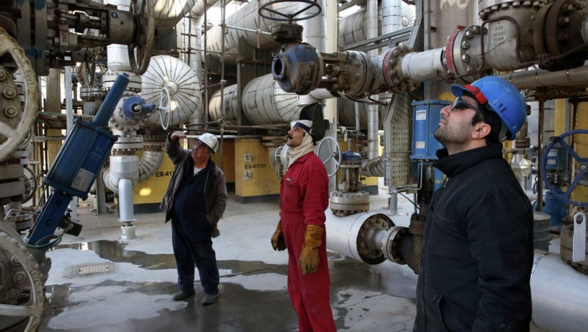 Rusya'nın petrol üretim şirketi Lukoil - Sputnik Türkiye, 1920, 30.07.2021