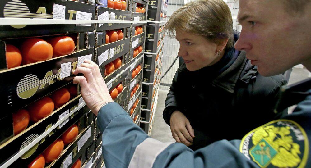 Kaliningrad'da bir sebze pazarı