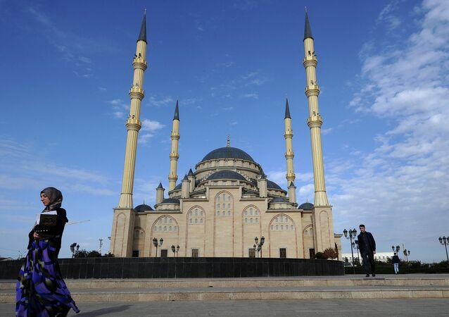 Grozni'de Hacı Ahmet Kadirov Cami
