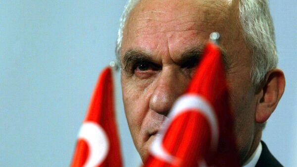 Dışişleri eski Bakanı Yaşar Yakış - Sputnik Türkiye
