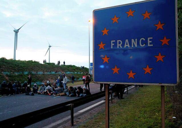 Calais göçmen