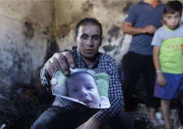 Yakılan Filistinli bebek