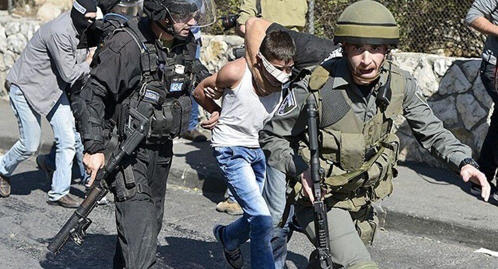 İsrail askerleri 12 yaşındaki Filistinli çocuğu gözaltına aldı