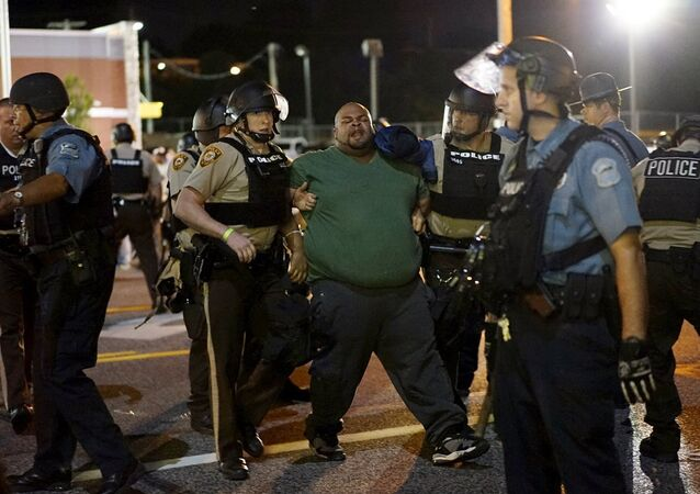 Ferguson'da Michael Brown anması