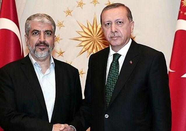 Cumhurbaşkanı Recep Tayyip Erdoğan ile Hamas Siyasi Büro lideri Halid Meşal.