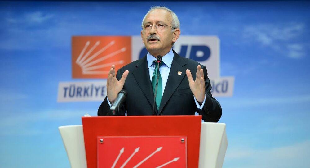 AK Parti ile koalisyon ihtimalinin ortadan kalkmasının ardından CHP lideri Kılıçdaroğlu, kendilerine koalisyon değil 3 aylık bir seçim hükümeti önerildiğini söyledi ve ekledi: 'Belli konuları konuşup, parlamentoda yaptıktan sonra 3 ay içinde seçime gidelim' diye. Bu bize uygun değildi.