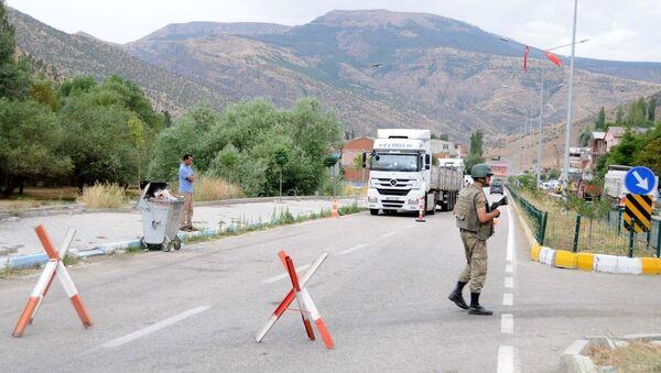 Erzurum'da PKK'lıların minibüse ateş açması - Sputnik Türkiye