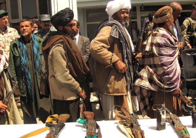 Taliban militanları