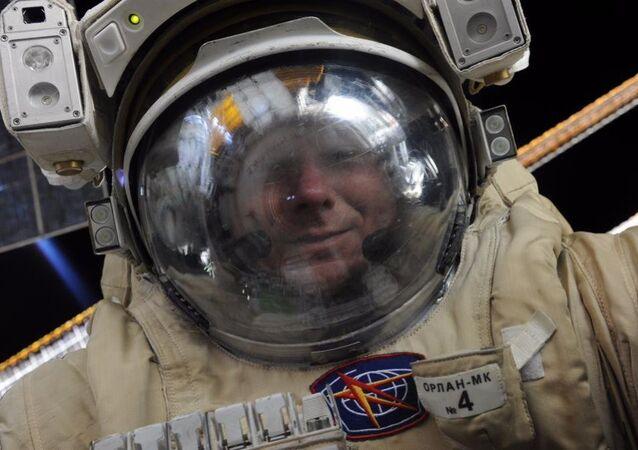 Rus kozmonot Gennadiy Padalka