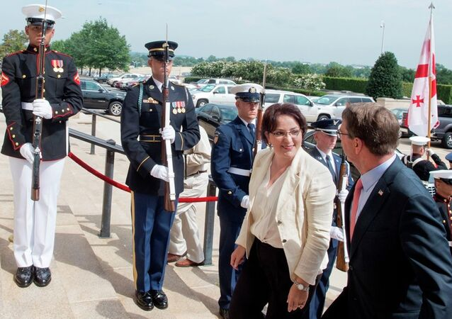 Gürcistan Savunma Bakanı Tinatin Hidaşeli - ABD Savunma Bakanı Ashton Carter