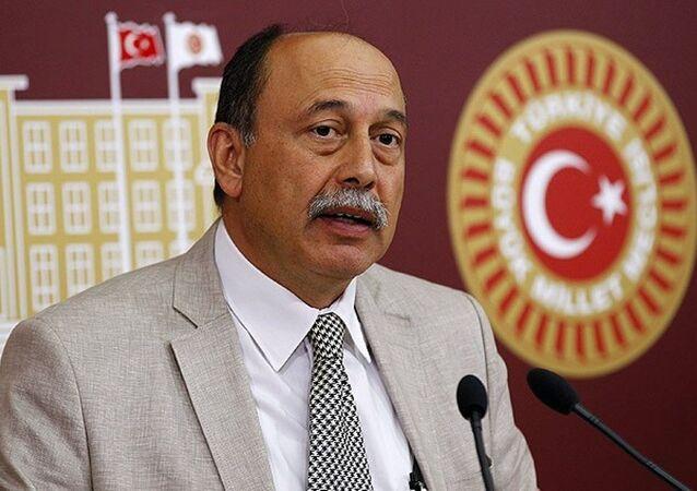 HDP İstanbul Milletvekili Levent Tüzel