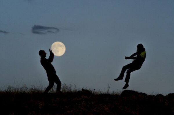 'Süper Ay' büyüledi - Sputnik Türkiye
