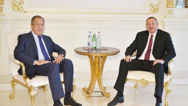 Azerbaycan Cumhurbaşkanı İlham Aliyev ve  Rusya Dışişleri Bakanı Sergey Lavrov - Sputnik Türkiye
