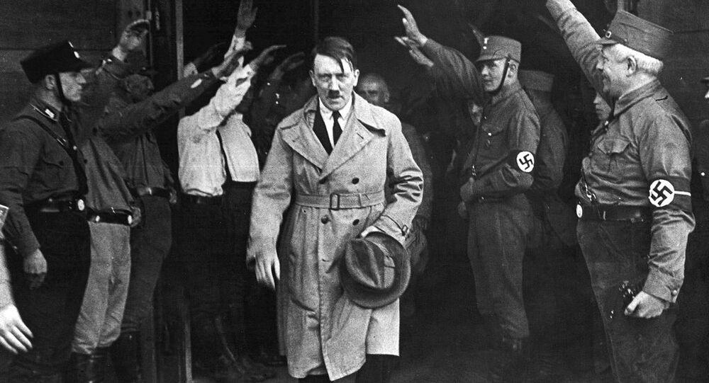 Nazi selamı -  Hitler