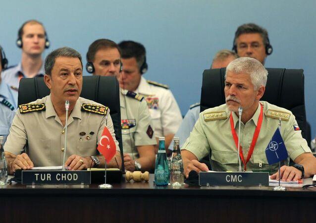 NATO Askeri Komite Genelkurmay Başkanları Konferansı'nın açılışında Genelkurmay Başkanı Orgeneral Hulusi Akar (solda) ve NATO Askeri Komite Başkanı Orgeneral Petr Pavel konuşma yaptı.