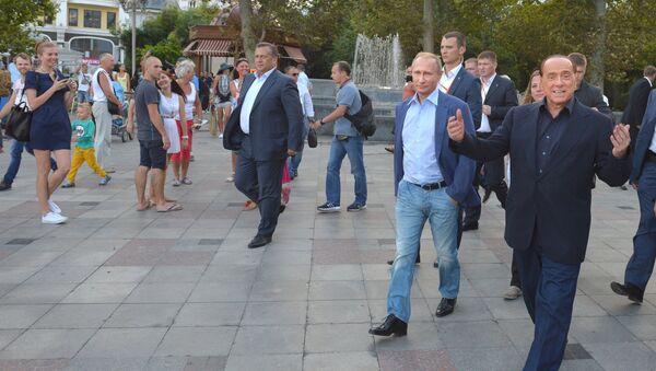 Eski İtalya Başbakanı Silvio Berlusconi - Rusya Devlet Başkanı Vladimir Putin - Kırım - Sputnik Türkiye