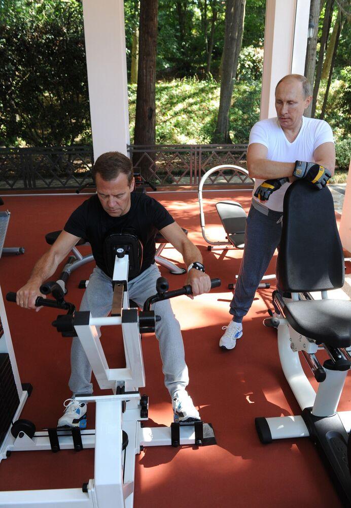 Başbakan Medvedev 50 yaşında