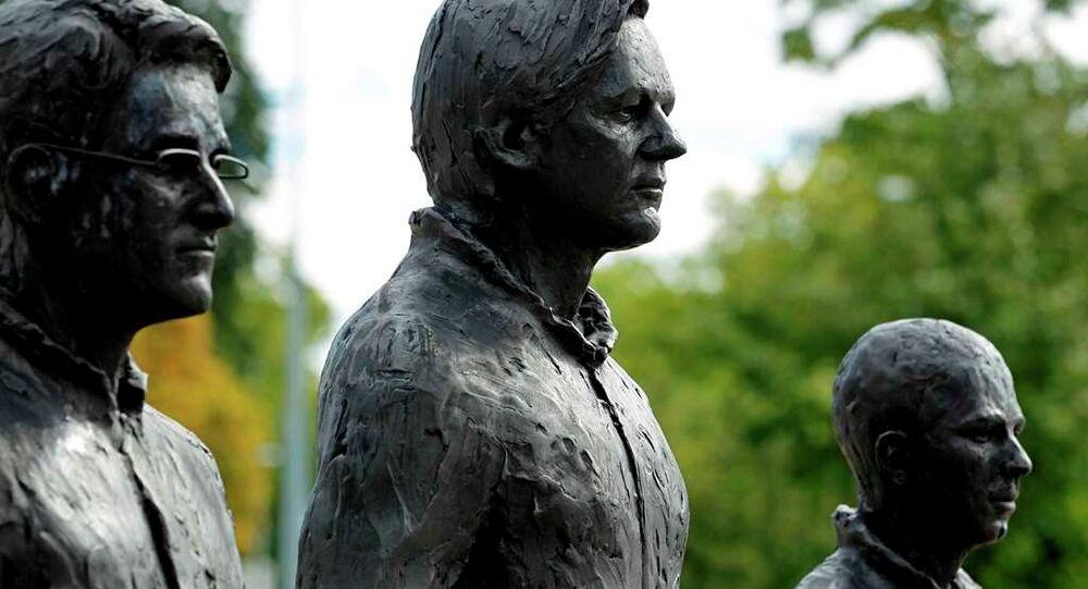 Snowden, Assange ve Manning heykelleri