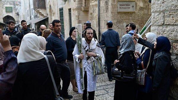 Yahudi yerleşimciler Mescid-i Aksa'ya girdi - Sputnik Türkiye