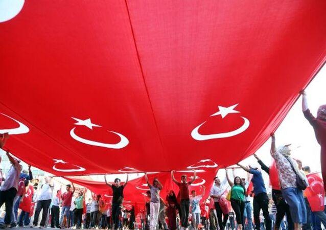 Ankara 'Teröre hayır, kardeşliğe evet' için yürüdü