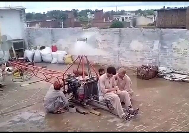 Pakistan'da ev yapımı helikopter