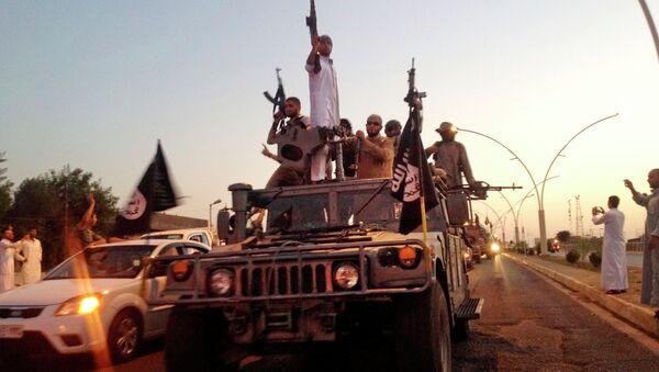 Musul'da IŞİD militanları - Sputnik Türkiye