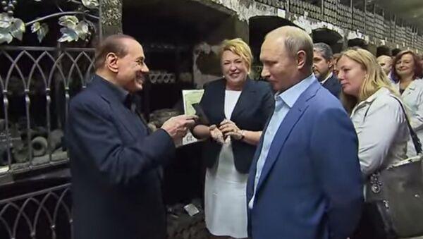 Vladimir Putin - Silvio Berlusconi - Sputnik Türkiye