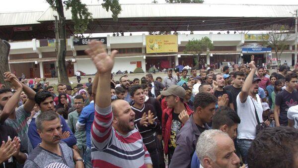 Suriyeli sığınmacılardan Edirne Valisi'ne protesto - Sputnik Türkiye