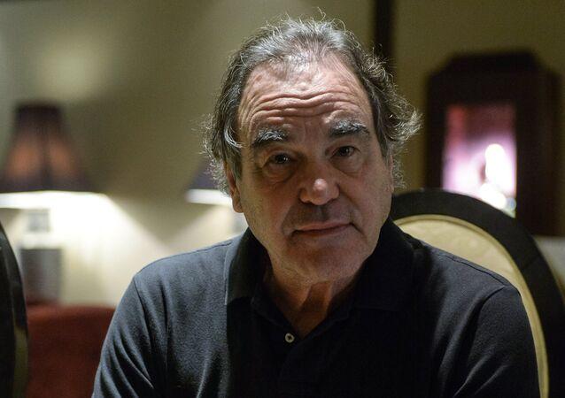 Yönetmen Oliver Stone